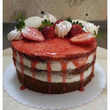 Bezlepkový jahodový semi-naked dort s makronkami, pusinkami a čerstvým ovocem
