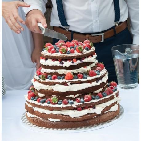 Svatební naked dort s lesním ovocem