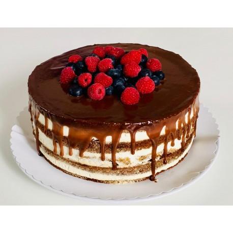 Mrkvový semi naked dort s pravým nugátem a lesním ovocem