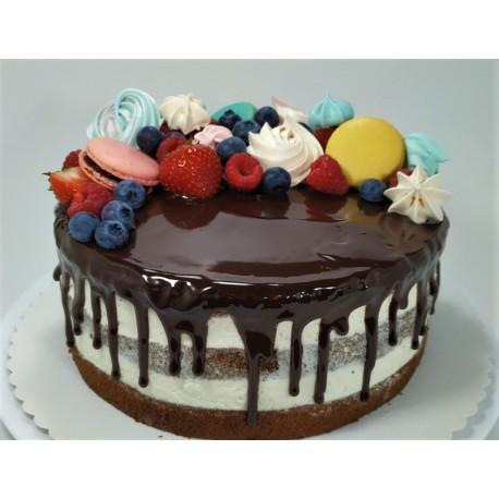 Vanilkový semi-naked dort s makronkami, pusinkami a čerstvým ovocem