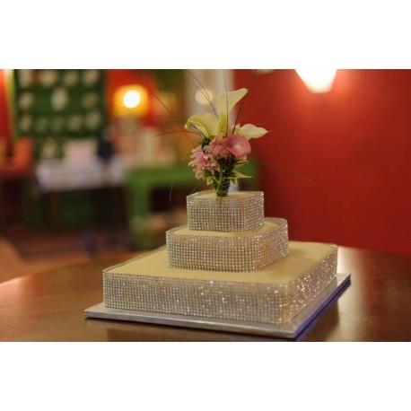 Marcipánový dort s fontánou z květů kaly