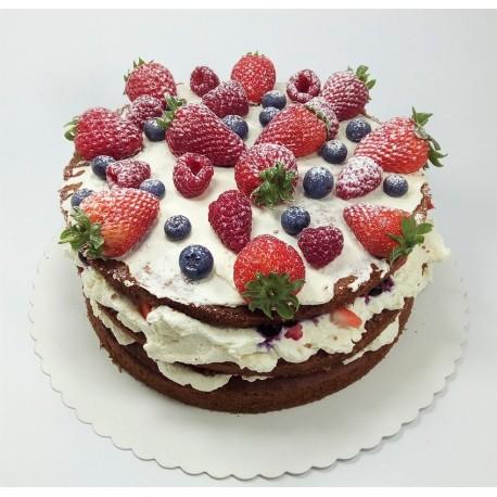 Naked dort s čerstvým ovocem