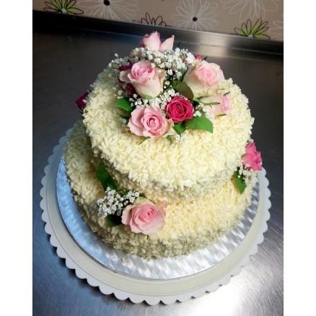 Svatební vanilkový dort s bílou belgickou čokoládou a růžemi